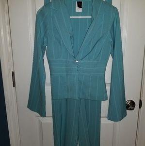 Wrapper blue suit